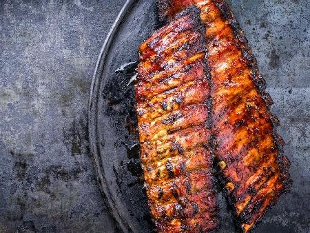 Люти свински ребърца на скара - снимка на рецептата